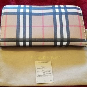 NWOT Authentic Burberry Check Wallet .